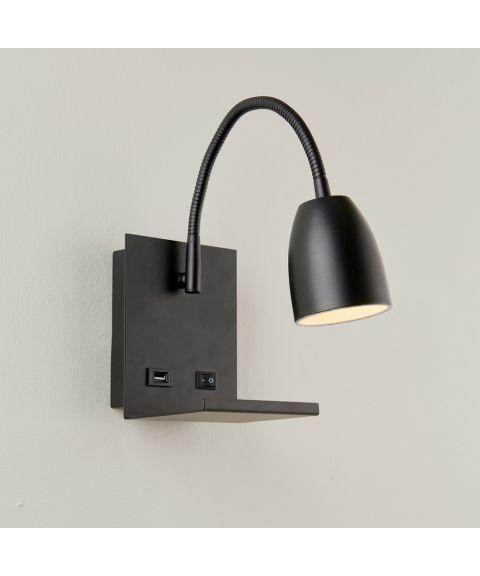 Ajax vegglampe med USB-utgang, Sort