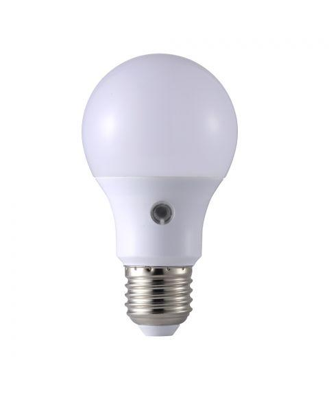 E27 Frostet 2700K 5,5W LED 470lm, Med lyssensor (restlager)