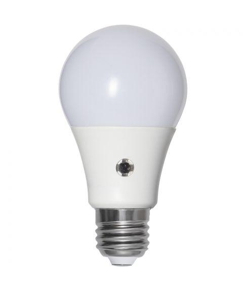 Illumination E27 Opal 2700K 11W LED 1100lm, Med lyssensor